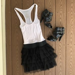 Miley Cyrus Maxazria Blk/white tulle tiered dress